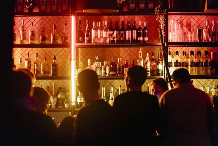 No entender cuando el bar está lleno