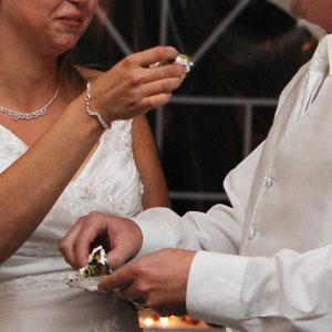 """""""Esto acaba en divorcio"""": 30 trabajadores de la industria de las bodas comparten cuando vieron saltar las señales de alarma sobre los novios"""