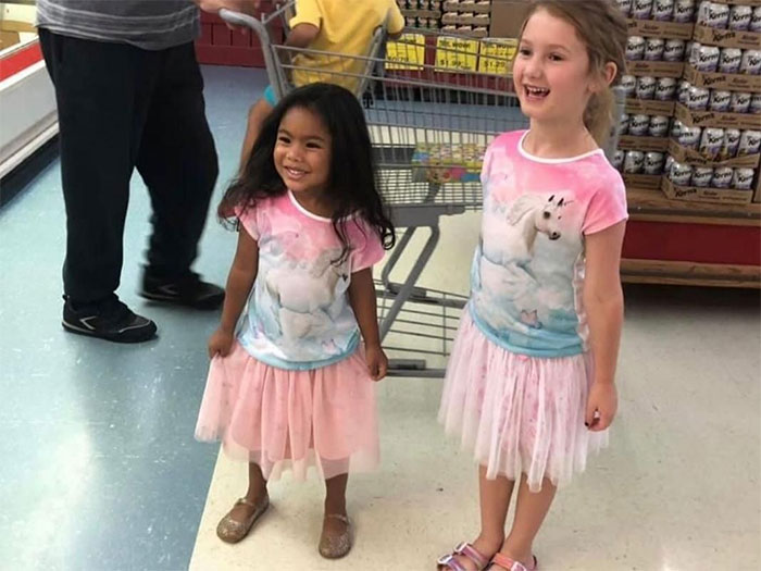 30 Niños mostrando una bondad increíble con estos actos tan reconfortantes (nuevas fotos)