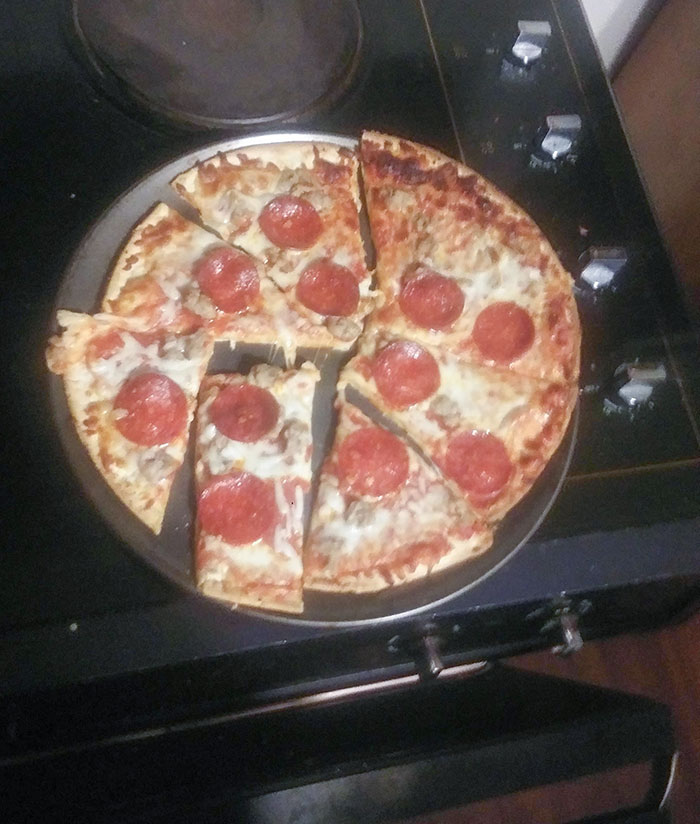 This Is How I Cut My Pizza To Avoid Cutting Pepperoni. My Girlfriend Said To Post It To The Internet