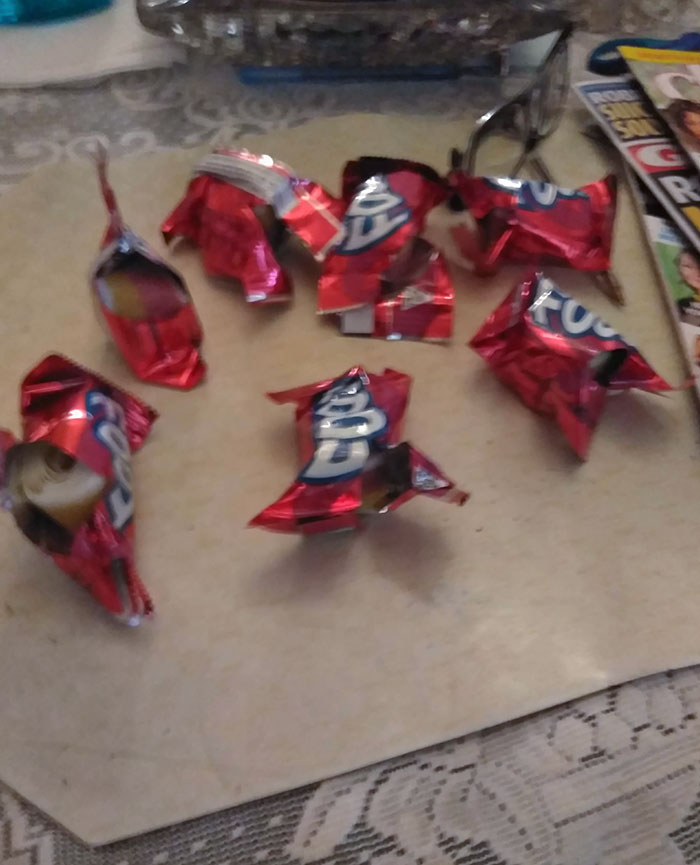 My Sister Opens Them Up To Check The Flavor And Puts It Back If She Doesn't Want It. The Flavor Is Also Printed At The Bottom Of The Wrapper