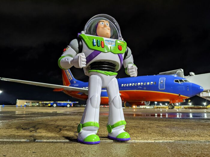 Airline Returns 2-Year-Old's Lost Buzz Lightyear With Photos And Letter From His Special Mission 10