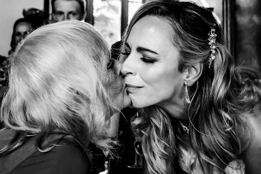 We Should All Kiss More