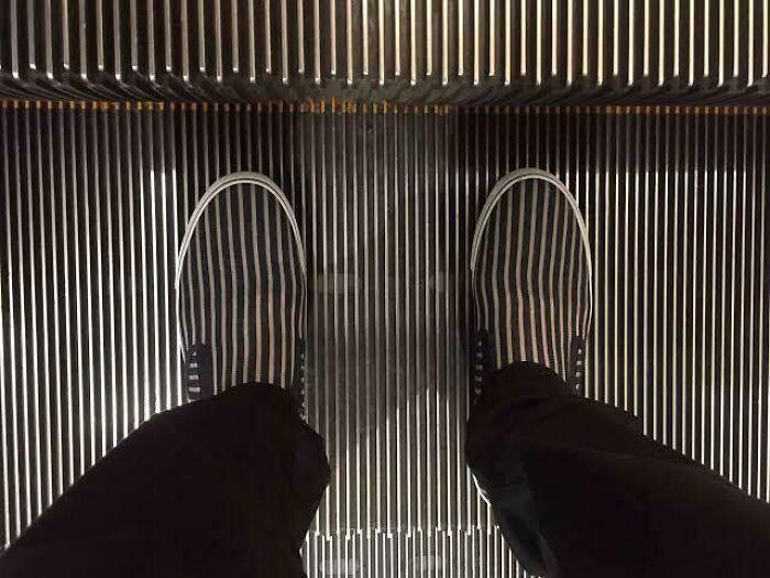 Mans Feet Brutally Eaten By Escallator