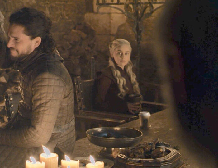 Dany's chalice in Game of Thrones Season 1, Episode 4 is a Starbucks coffee cup.