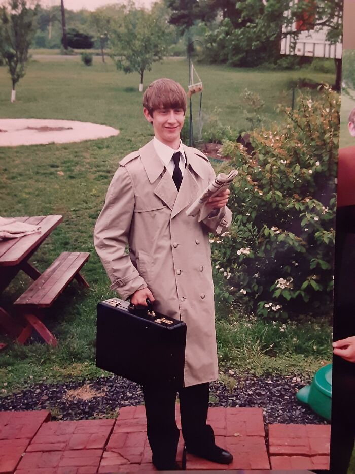 I Had Embraced My Nerdy Outcast Status And Went To School Like This, Sadly The Trench Coat Was Soon Banned After '99