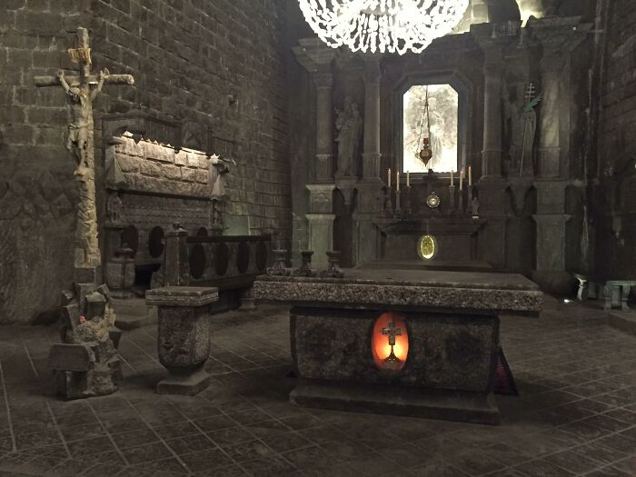 This Looks Like A Screenshot From A Video Game But Is Actually A Real Altar From An Entire Church Carved Underground In A Salt Mine In Poland