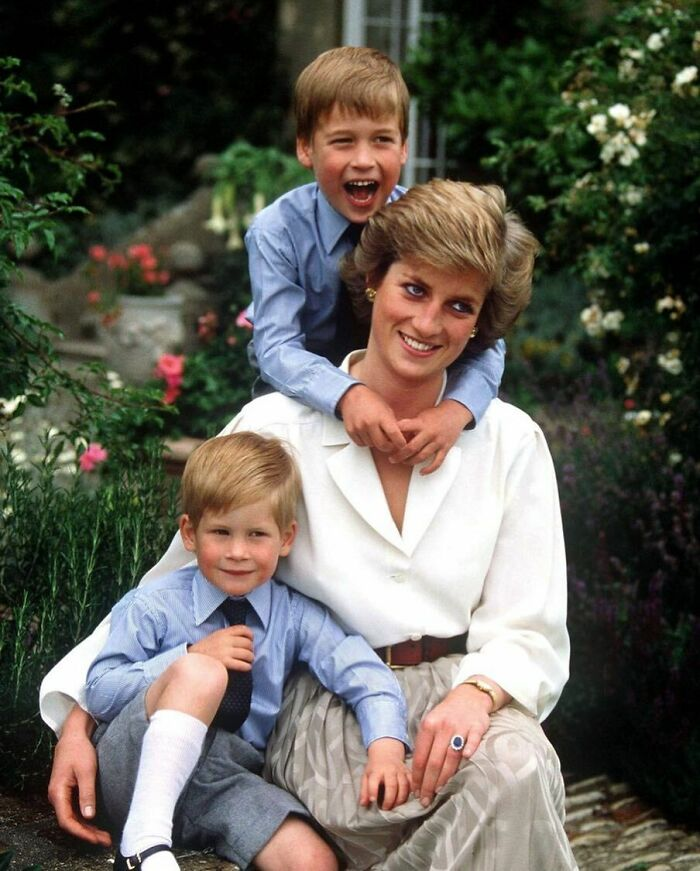 """Prince Harry Shared That He Was Seeing """"History Repeat Itself"""" With Meghan, And That It Reminded Him Of The Way His Mom, Princess Diana, Was Treated"""