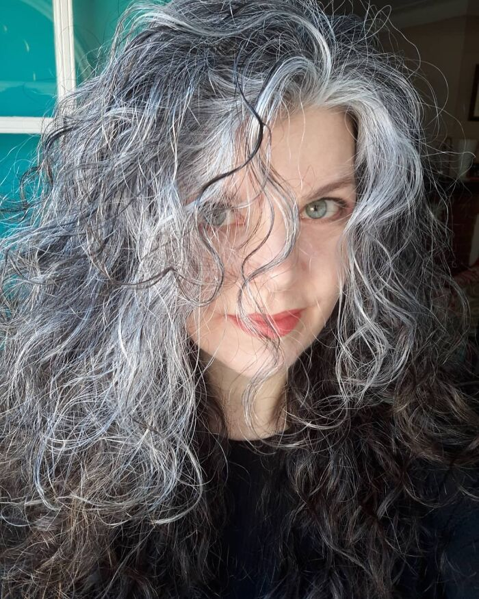 There Was A Silver Girl Who Had A Silver Curl Right In The Middle Of Her Forehead... do You Know How The Rest Of It Goes? 🤣 . . . #unapologeticallyme #messyhairdontcare #nofiltertoday #agepositive #beyourself #beauthenticallyyou #ditchthedye #embracethegrey #freethesilver #goinggrey #goinggreygracefully #gogrombre #grombrehair #grombre #grayhair #grayhairdontcare #greyhair #greyhairmovement #greyhairtransition #greyhairjourney #naturalhair #saltandpepperhair #thisis49 #silverselfie #silversister #silversistersinternational #silversisters #silverrevolution #silverandfree #cottonhairedwomen