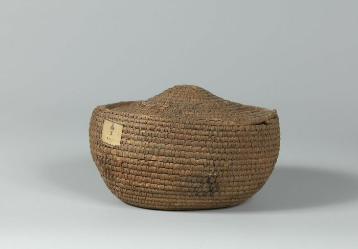 Basket; Basket Cover (The Cover May Not Belong To The Basket)