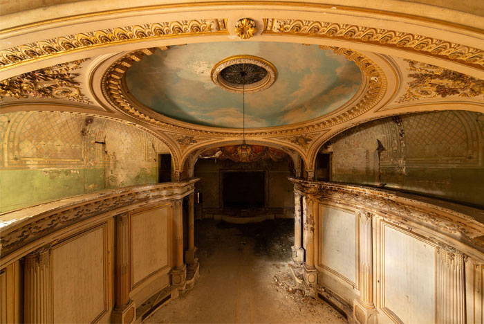 Here Are The Most Beautiful Abandoned Theaters That I Found Around The World (25 Pics)