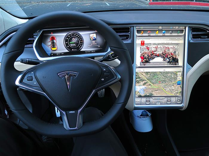 Automakers Should Stop Replacing Buttons With Massive Touchscreens
