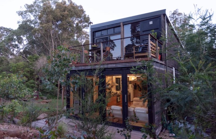 A Man Built His Dream House Using 4 Shipping Containers For $150,000