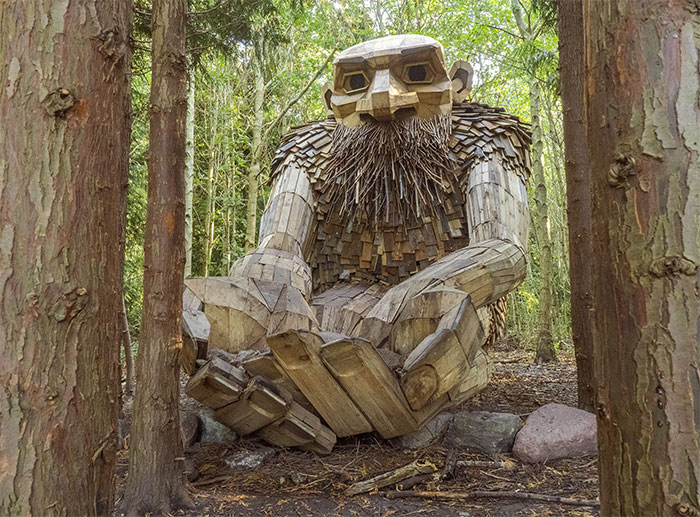 I Hid 10 Giant Troll Sculptures That I Made From Recycled Wood During Quarantine In The Wilderness Of Denmark