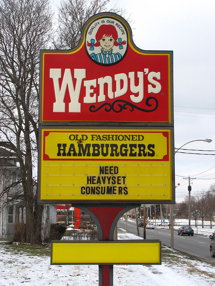45 Of The Most Hilarious Fast Food Signs Ever Captured