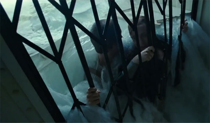 One Time Winslet's Coat Got Caught On The Gate And She Had To Break Free From The Coat To Not Drown