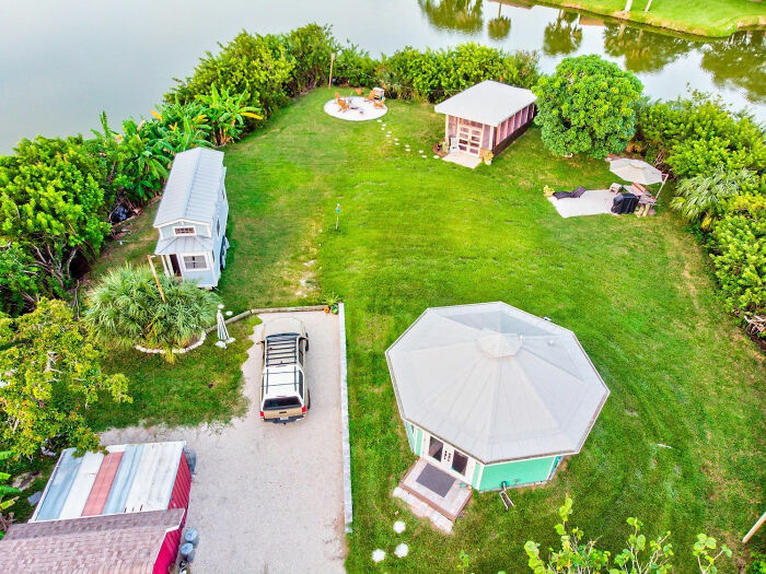 Man Lives On His Own Private Island In Florida And Here's How His Life Looks