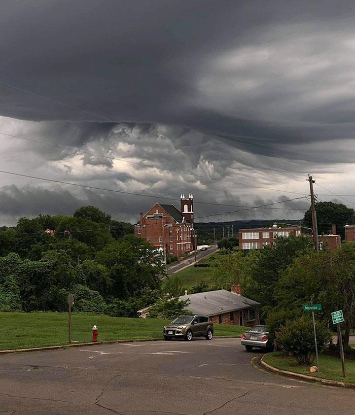 Esta nube de tormenta parece terrorífica