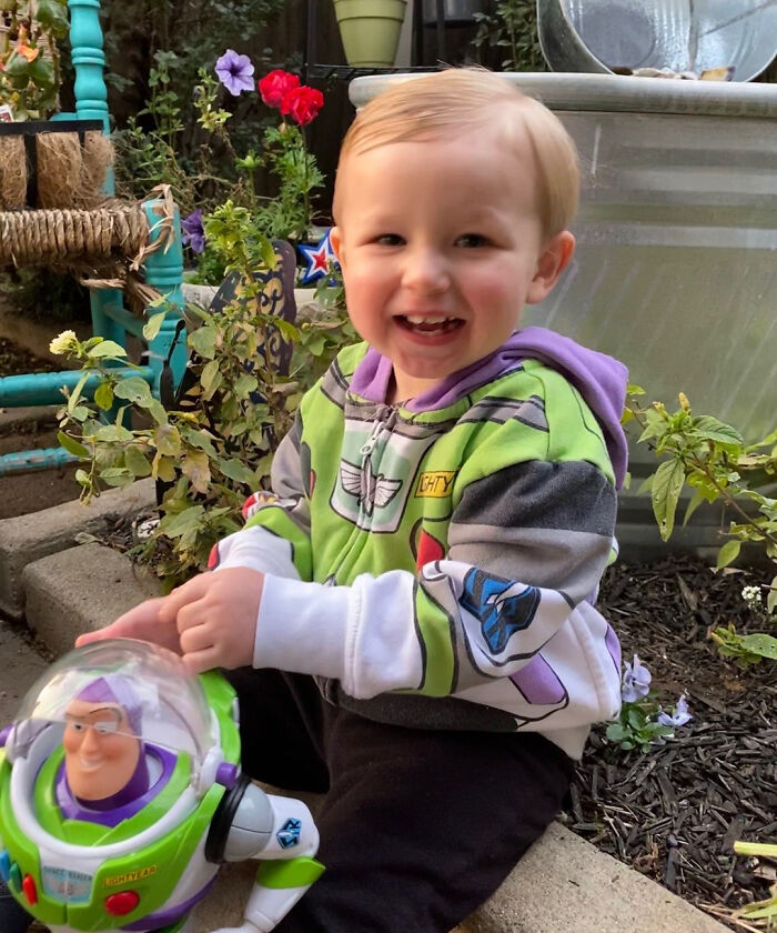 Airline Returns 2-Year-Old's Lost Buzz Lightyear With Photos And Letter From His Special Mission 17