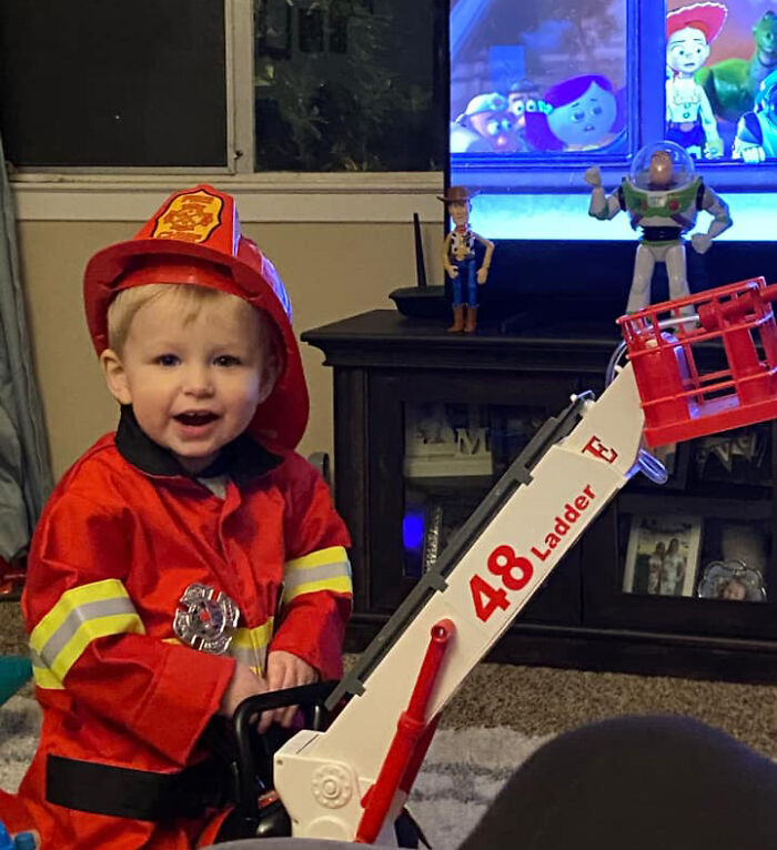 Airline Returns 2-Year-Old's Lost Buzz Lightyear With Photos And Letter From His Special Mission 18