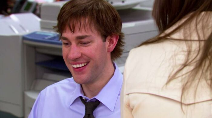 Til John Krasinski Wore A Wig In Season 3 Of The Office So He Could Film Leatherheads. Krasinski Pitched The Idea To The Producer Who Rejected It Because It Would Be Too Obvious. John, Who Was Wearing The Wig During The Meeting, Told Him It Wouldn't Be, Took Off The Wig, And Was Granted Approval.