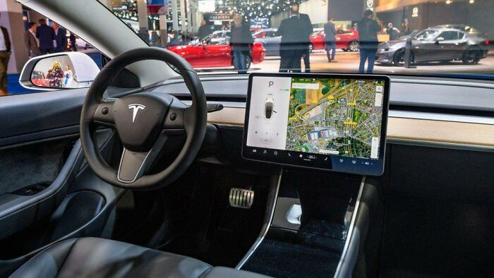 Til After Crashing, A Driver In German Was Fined For Using Tesla Touchscreen Wiper Controls, Under The Same Rules As Using A Phone While Driving. The German Court Decided Touchscreen Car Controls Should Be Treated As A Distracting Electronic Device