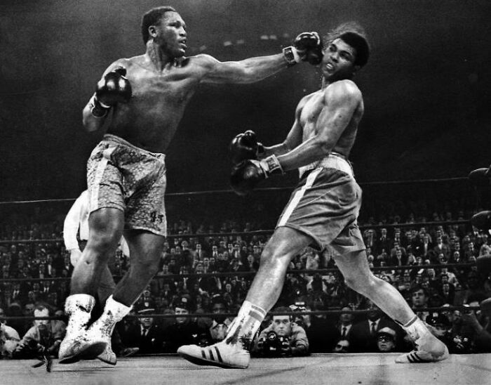 """Til Frank Sinatra Was Hired By Life Magazine As A Ringside Photographer For The Muhammad Ali & Joe Frazier Heavyweight Boxing Match, """"The Fight Of The Century"""", That Took Place 50 Years A Go Today, March 8, 1971. One Of His Photos Was Good Enough To Be The Cover Of The Magazine."""