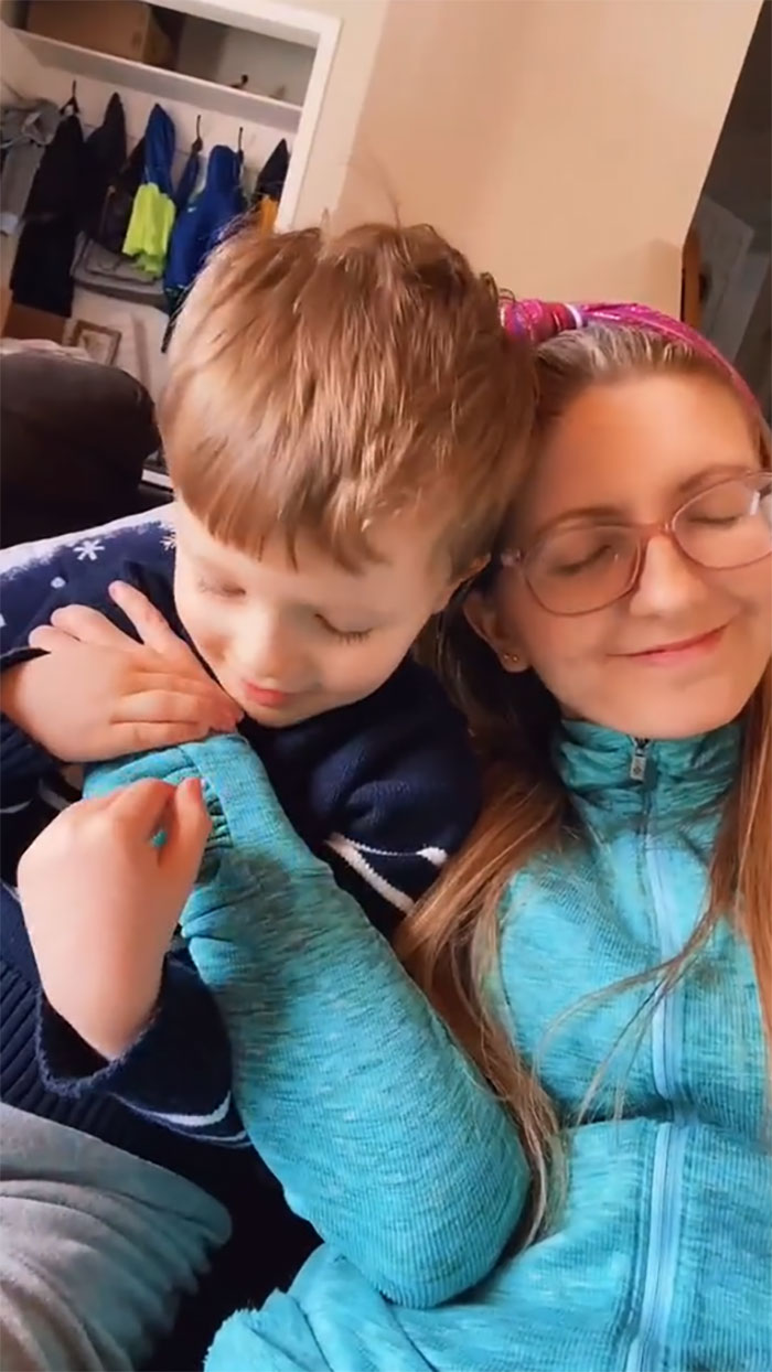Chicago Mom Posts Viral TikToks Where She Shows How She Teaches Her Kids About Consent And Body Autonomy