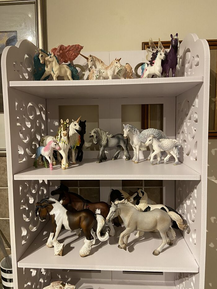 Also Horse Figures & Fantasy Horse Figures (Small Collection)