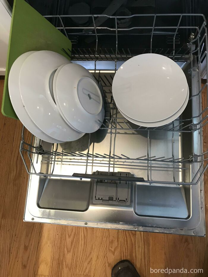 How My Mil Loaded My Dishwasher. How Does Someone Like This Even Function As An Adult?