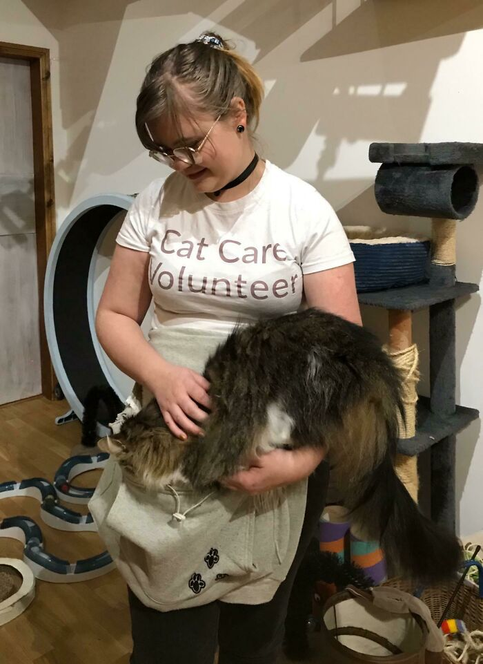 I Volunteer At The Cat Cafe In My Uni City. Our Maine Coon (Marijke, Or Meep For Short) Has Been Walked Around In This Pouch Since She Was A Tiny Kitten - Though She Is A Wee Bit Bigger Than She Was A Few Years Ago!