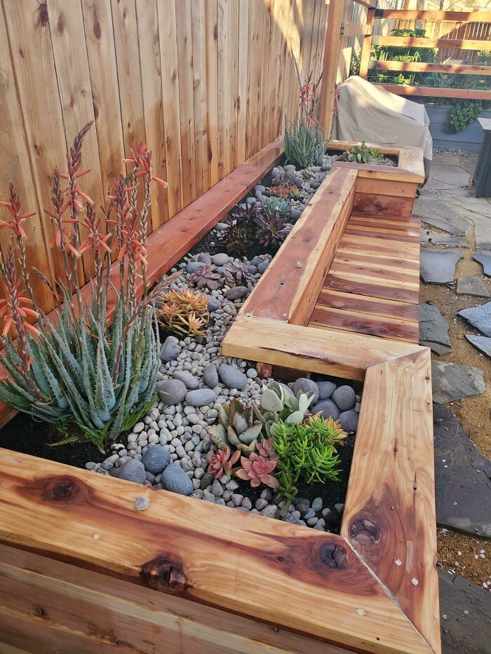 Built A Planter Box Bench This Past Weekend. What Do You Think?