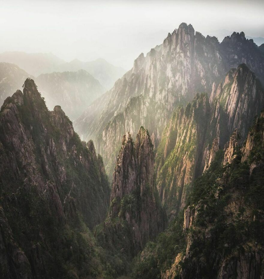 Cliffs Edge, Anhui, China