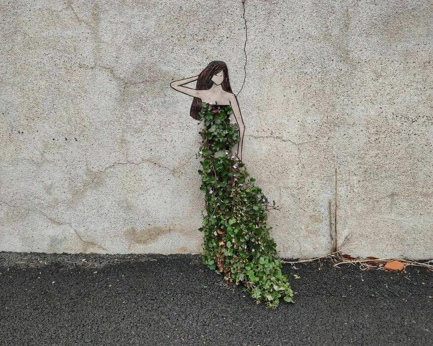 Mère Nature. mother Nature #oakoak #streetart #urbanintervention #art #urban #arturbain #wallart #saintetienne #funny #smallart #urban #woman #nature #greenart #landart #robe #dress #femme