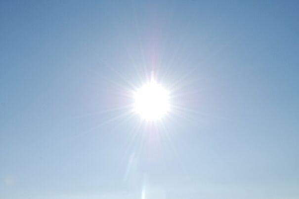 Sun_in_the_sky-6088eea314350.jpg