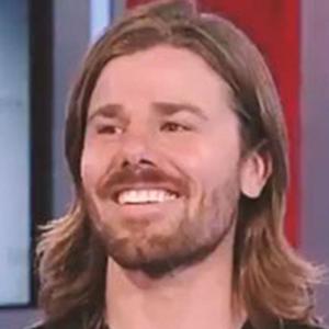 Fox News se burló de este empresario por aumentar el salario mínimo de sus empleados y recortar el suyo, y él les restriega su éxito en la cara 6 años después