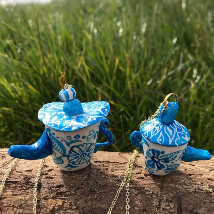 I Made Tiny Wonky Teapot Jewellery To Raise Money For My Cat And Her Stray Friends On The Gili Islands (40 Pics)