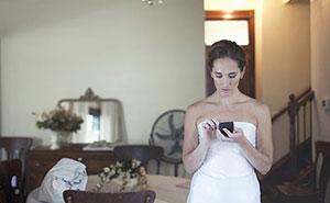 Esta novia lunática teme que su amiga, cuyo bebé falleció al nacer, robe toda la atención en su boda, y el novio termina abandonándola