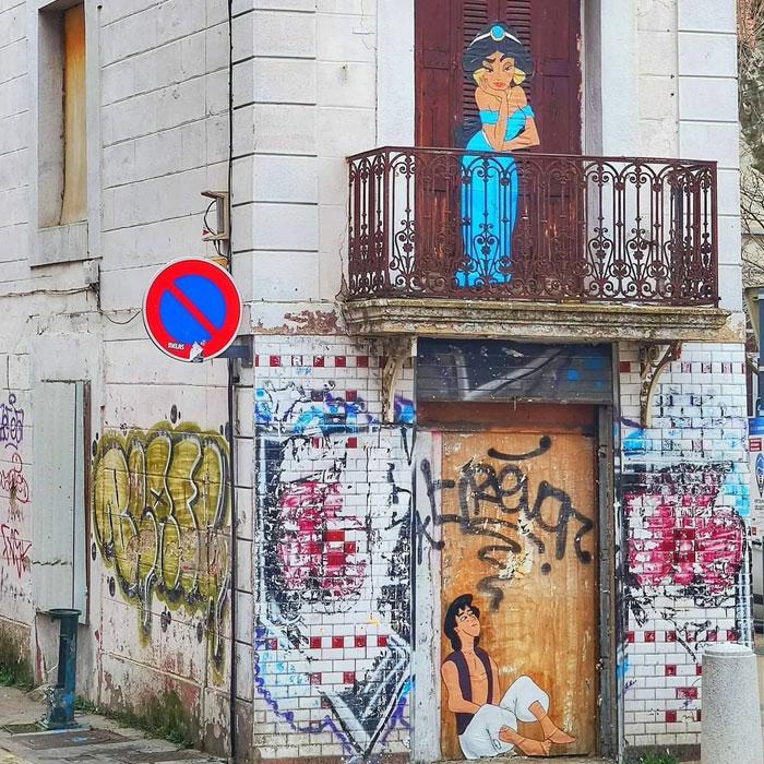 35 Divertidas obras de arte urbano incorporadas a las calles de París, por OakOak