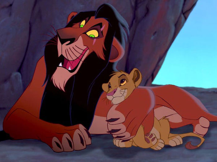 In The Lion King, The Lions Retract/Extend Their Claws As Needed (Even In Subtle Moments)... But Scar's Claws Are Always Out