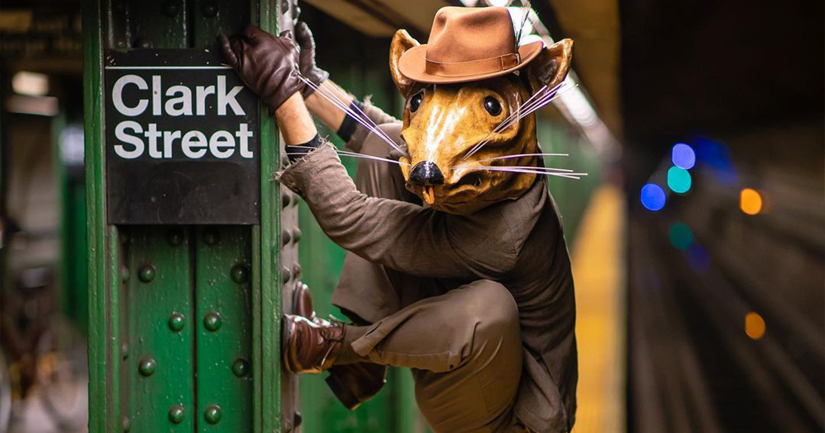 Photographer Captures The Unique And Amazing People Of The New York Subway (83 Pics)