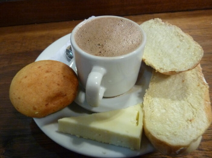 Colombians Drink Hot Chocolate Cheese