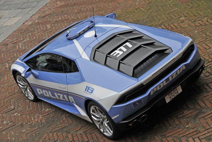 There's A Lamborghini In The Italian Police Fleet