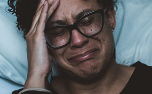 20 Padres estadounidenses comparten experiencias de permisos parentales que muestran lo absurdo del sistema
