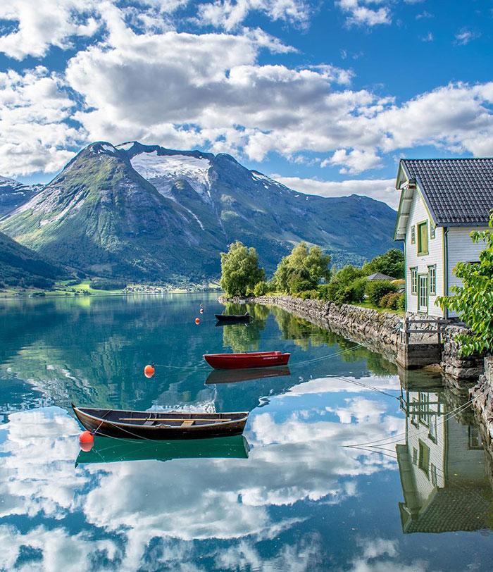 Oppstryn, Noruega. Parece de ensueño