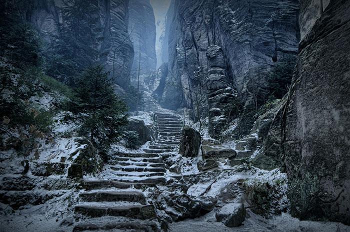 El corredor del Emperador en Chequia, parece Skyrim en la vida real