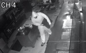 'Sin policía': El propietario de un restaurante publica una oferta de trabajo para la persona que robó en su local