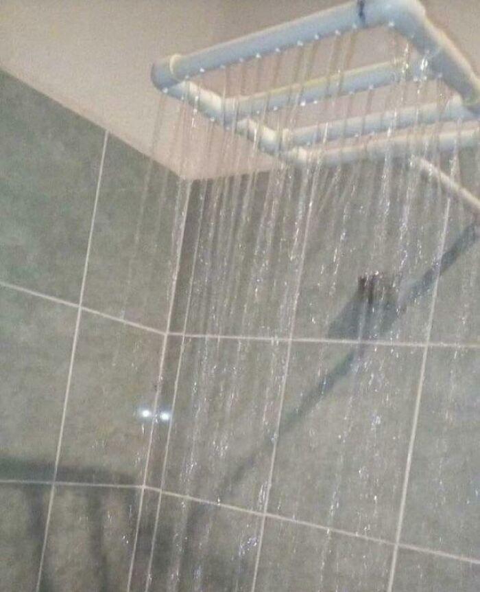 Las cabezas de ducha tipo lluvia no son baratas, así que