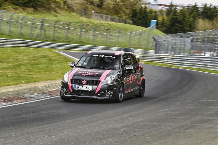 Mi despedida de soltero fue un día de carreras en el circuito Nordschleife