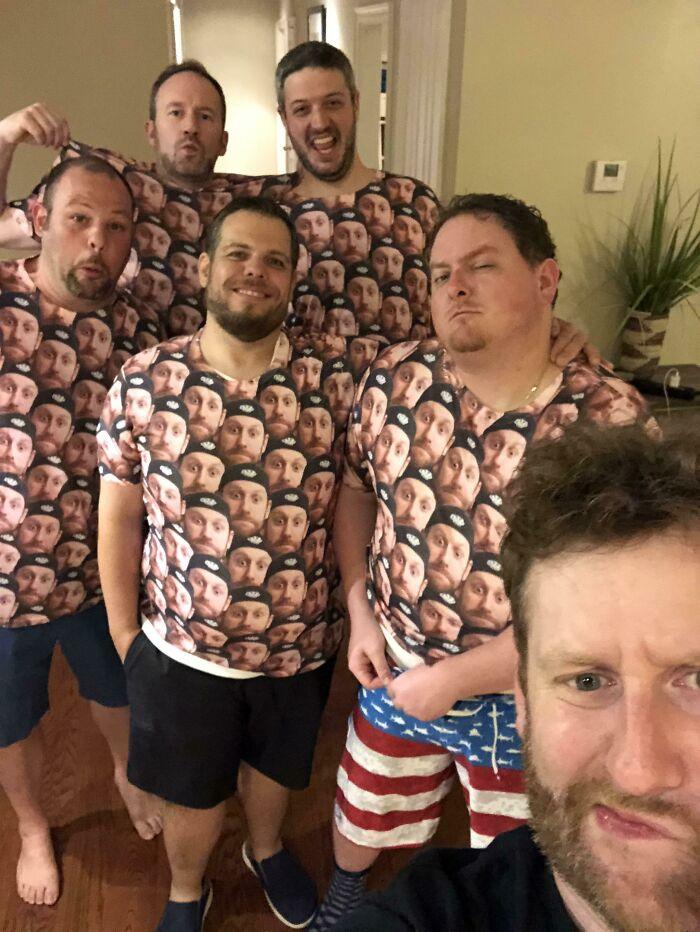 Si estás planeando una despedida de soltero, hazte con estas camisetas
